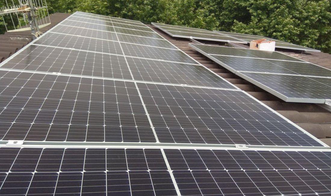 Instalación fotovoltaica de 7 kWp con compensación de excedentes en Santa Maria de Palautordera.
