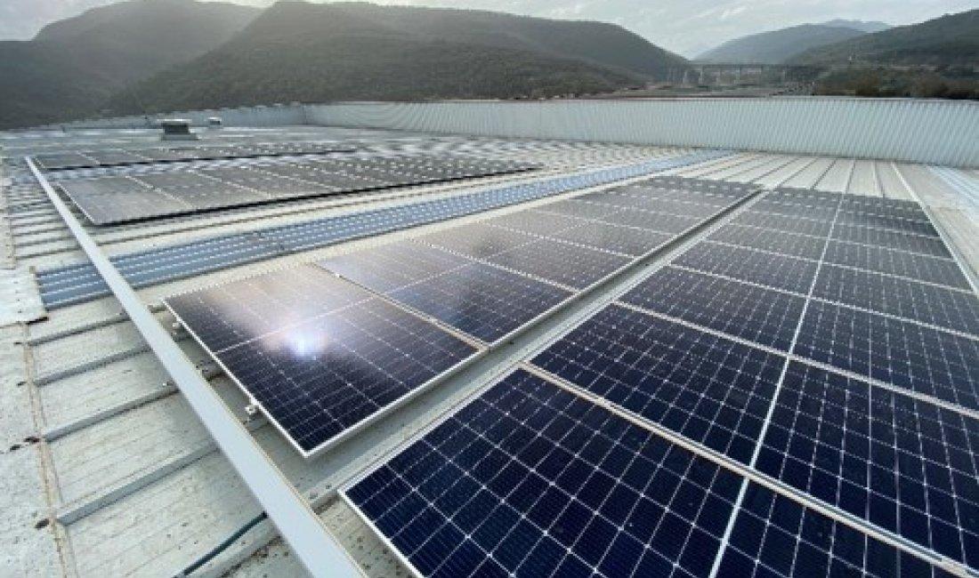 Instal·lació fotovoltaica de 78,3kWp per autoconsum a Mecàniques Pujolàs, Olot.