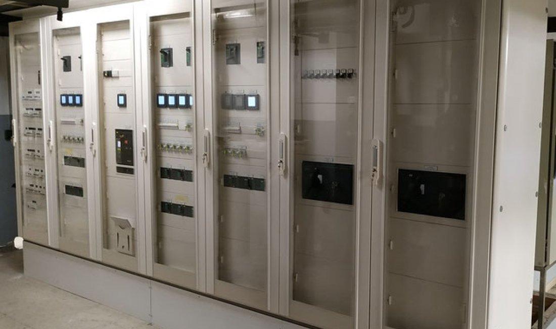 Proyecto y dirección de obra para la reforma y adecuación a la normativa vigente del cuadro eléctrico general de climatización del Hospital Dr. Josep Trueta.