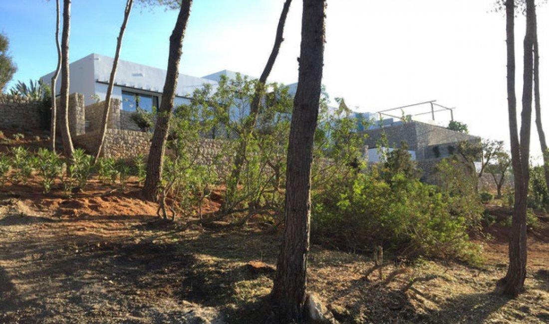 Proyecto, dirección de obras y legalizaciones de una vivienda de alto standing en Ibiza de 750 m².