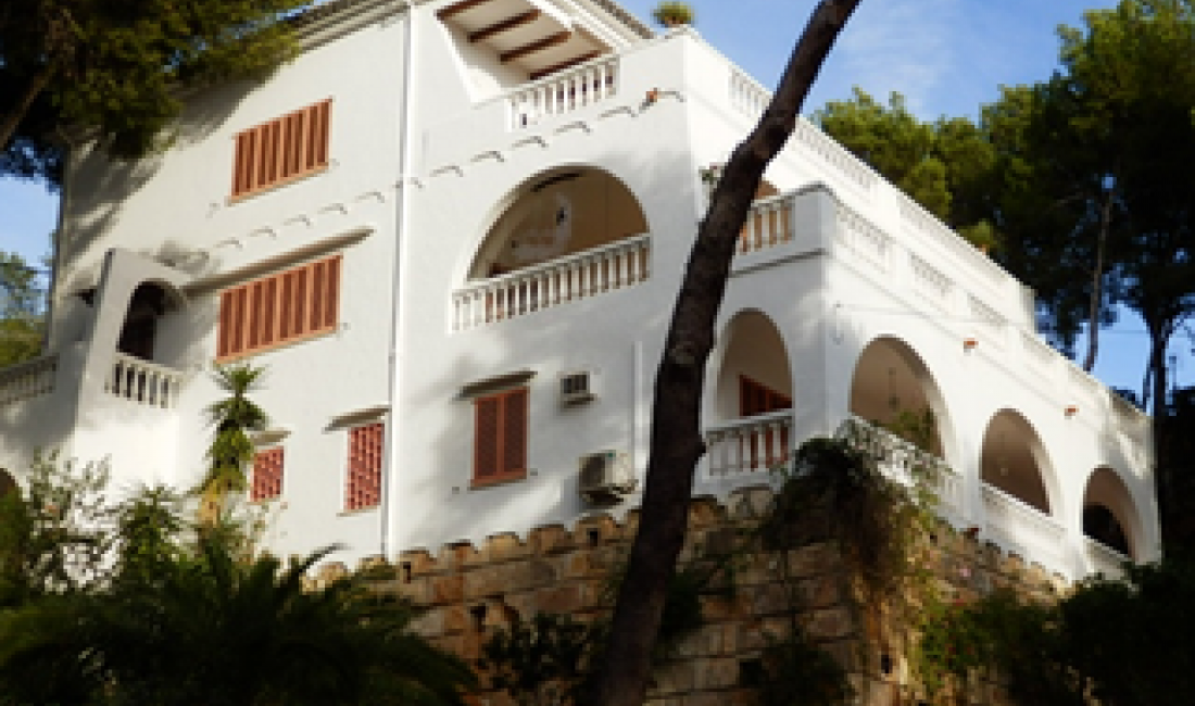 Informe técnico y económico sobre diferentes sistemas de climatización para una vivienda en Portals Nous, Mallorca.